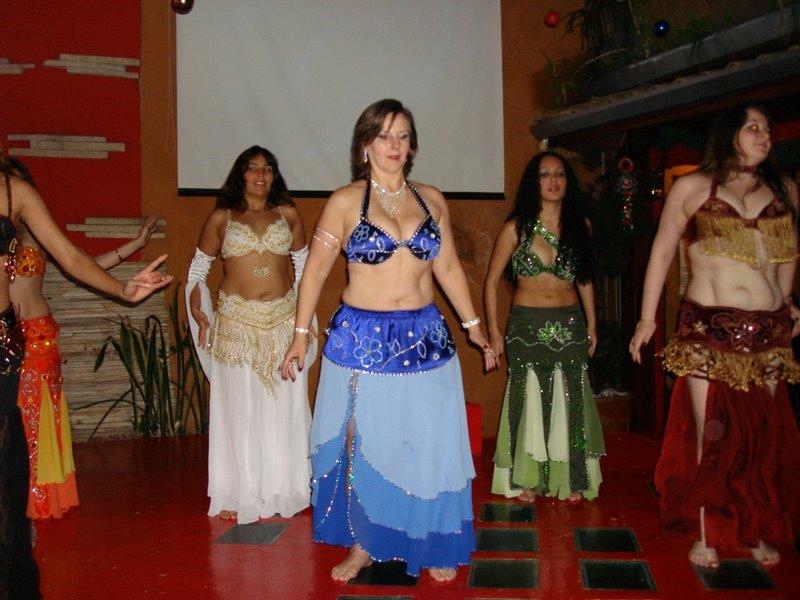 Beth em sua apresentação de Dança do Ventre em 2008!