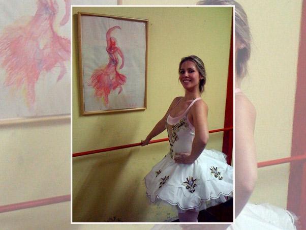 Ana Carolina Moreira - em sua primeira aula de ballet no Studio Ana Esmeralda coma professora Karen Ribeiro